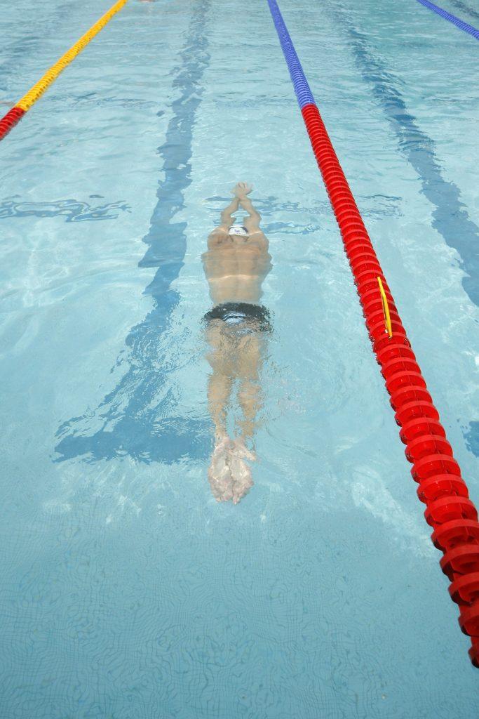 se baigner en ayant la maladie de Parkinson